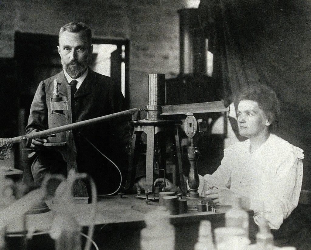 Mariaa Skłodowska-Curie and Pierre Curie